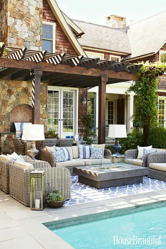 21 Amazing Outdoor Entertaining Areas that you can totally DIY! Take a look at these outdoor spaces for ideas and inspiration. . youDesign Asylum Blog