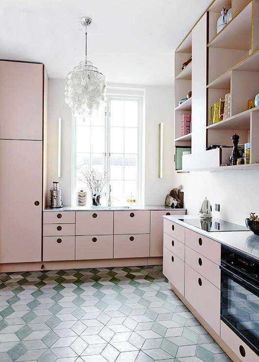 Thinking of painting your kitchen cabinets? Here are colorful kitchens guaranteed to make you swoon and kitchen cabinet colours that are perfect colours.