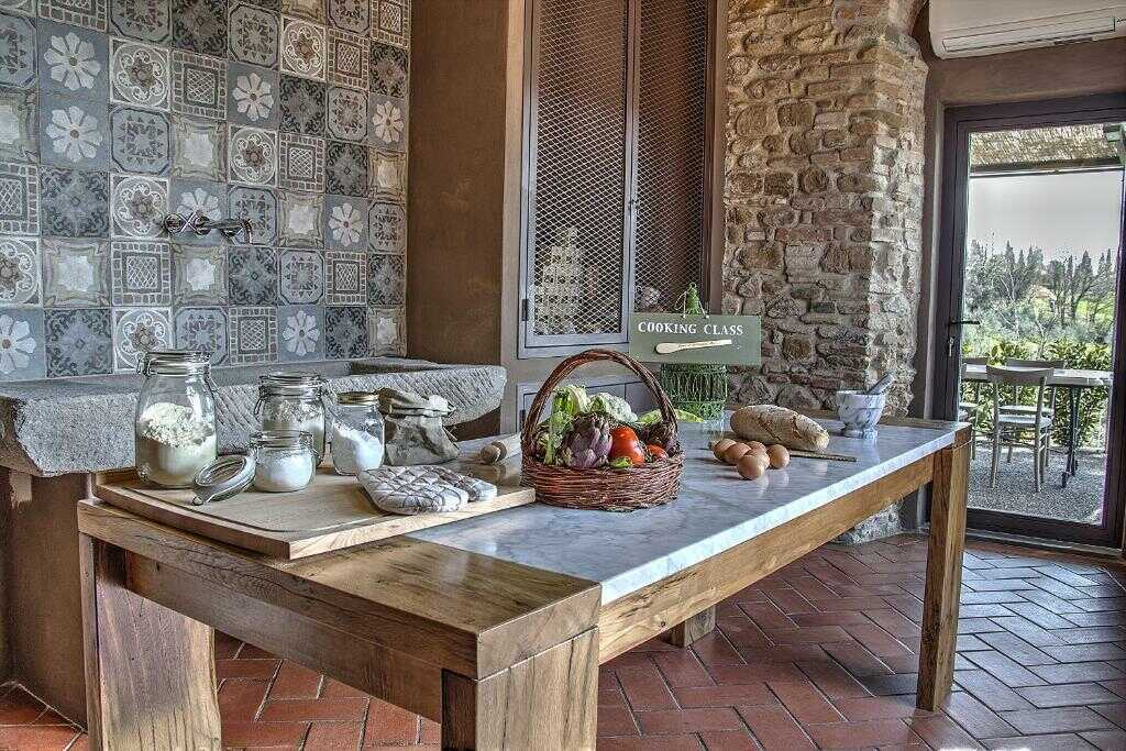 Amazing farmhouse vacations around the globe. Country estates for your holiday in England, Italy, France, Greece, Portugal or Morocco. #farmhouserental