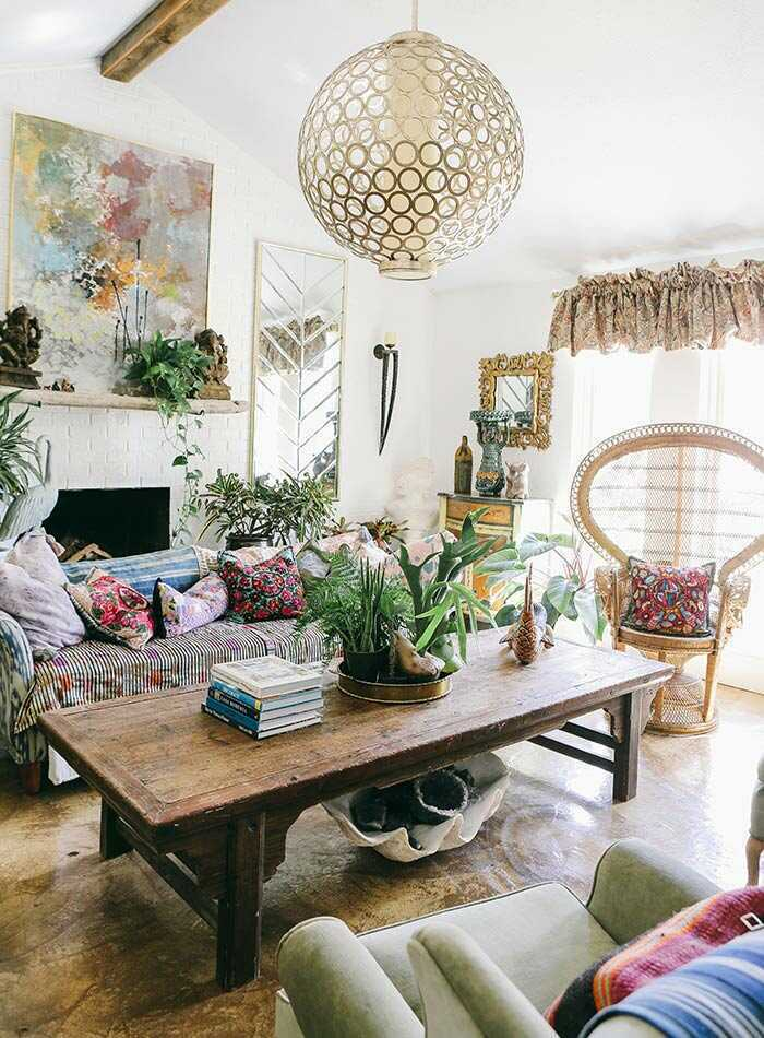 More is more! Color, textures, patterns, and more color are what's hot in interior design. View this complete guide to maximalist interiors - maximal style, the Boho Luxe Home way.