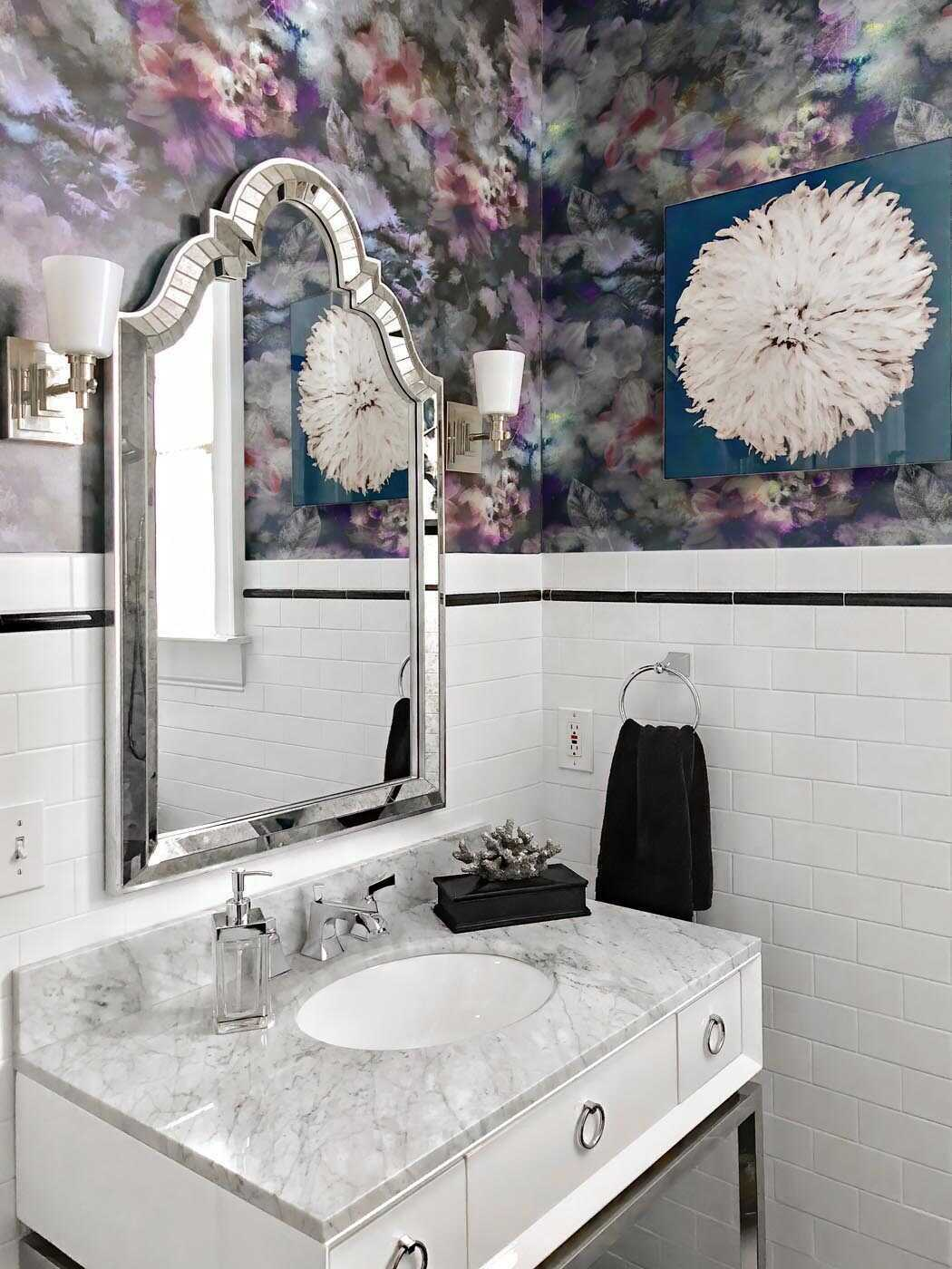 What to consider when you're shopping for wallpaper? Many factors come into play for this decision. Here are 6 things to consider before purchasing peel and stick wallpaper.