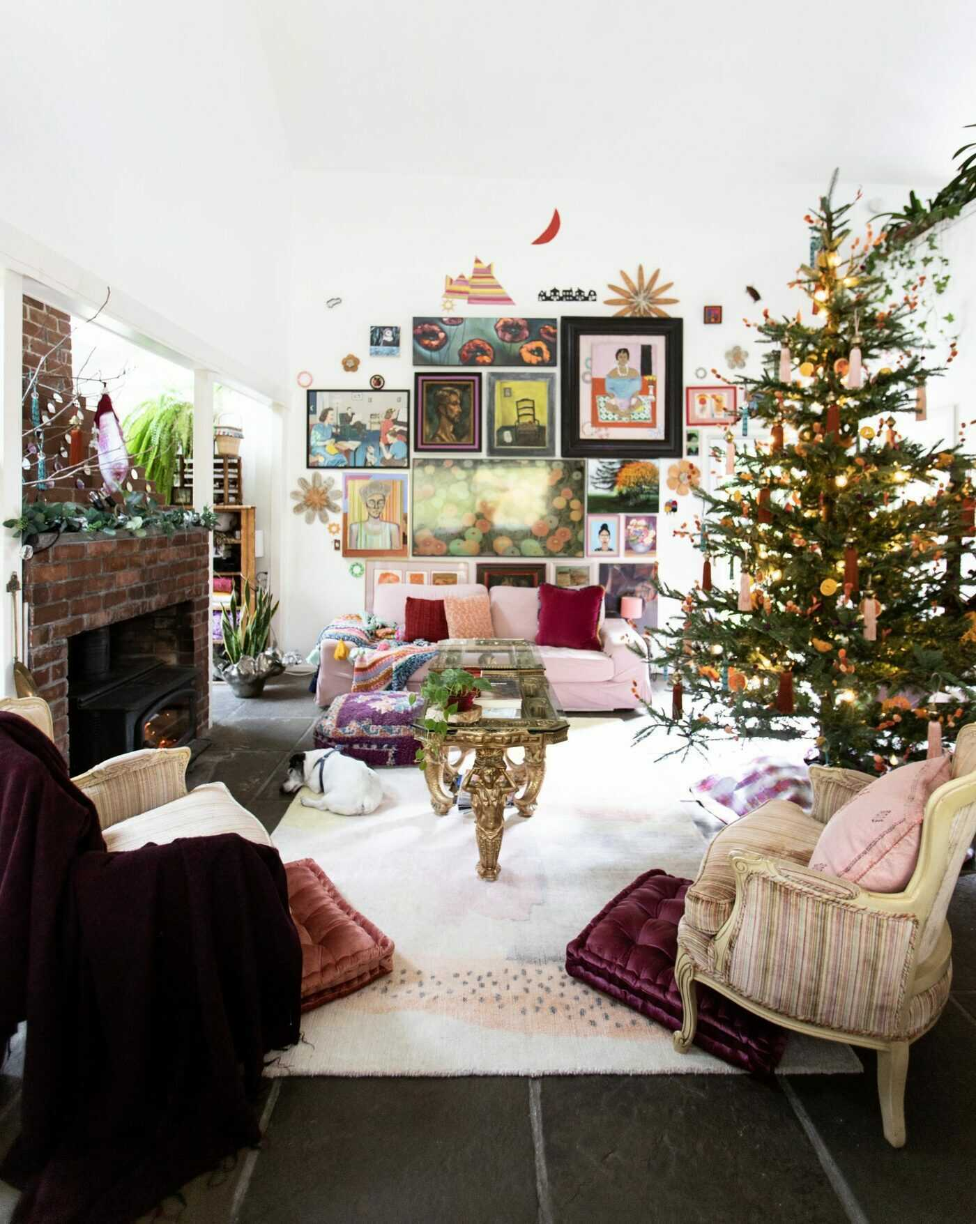It's a very down to earth Christmas with owner and interior designer of Au Petit Salon Ginny Stalker. She shows all the fun and unexpected ways to bring color, texture, and patterns into the home for the holidays.