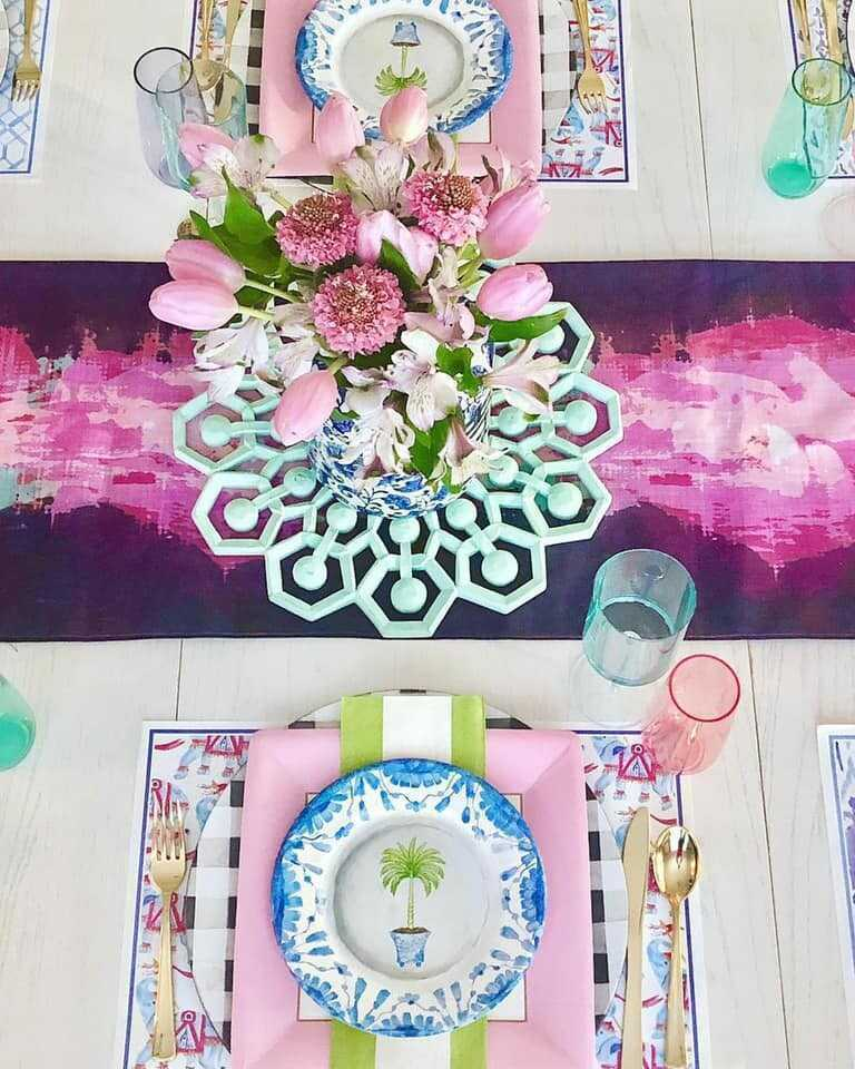 Use your nesting time to dream about spring. From tables adorned with colorful table runners to tables set with paper placemats and tassels, these spring table settings are sure to bring some much-needed joy into your life.