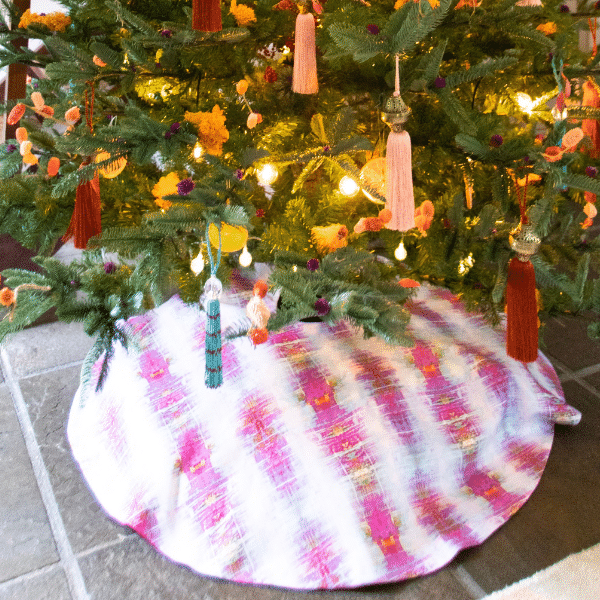 Christmas Tree Skirt -Thread Bare