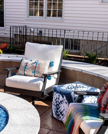 Update your outdoor space with these 3 easy tips that will inspire you to create a proper little piece of colorful backyard bliss.